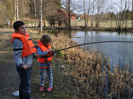 family-fishing